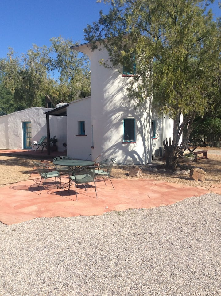 Cottage in heart of Tucson