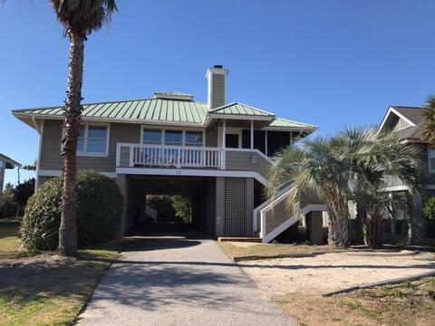 Family beach house, 12