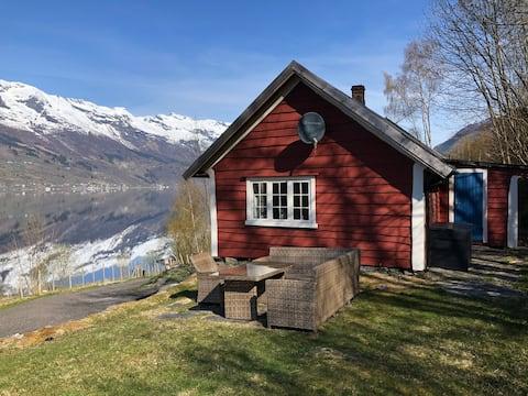 Hytte ved Sørfjorden 2
