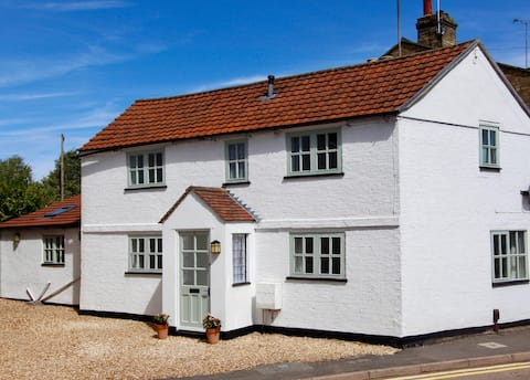 Cosy Cottage - deep cleaned after every stay!