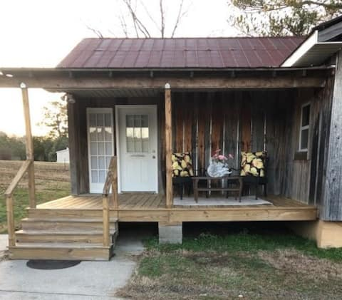 The Rustic Cottage in Silver Creek