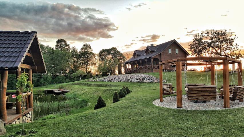 Villa Tverijoniškė - privacy with pond and nature