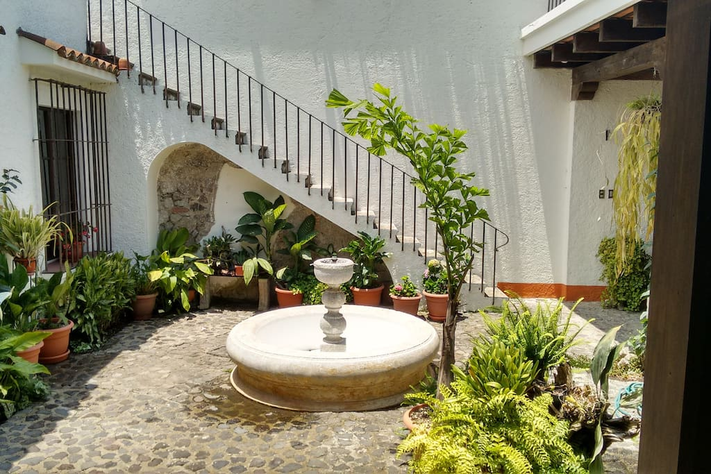 Courtyard with functional fountain. It can be turn it on, just for you!