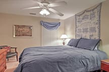 Downstairs/2nd Bedroom