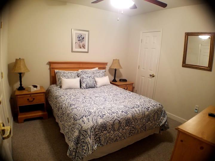 Mariners Landing: Lakefront 2 bedroom Condo #214