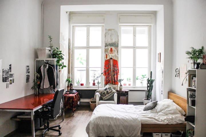 Huge, bright, airy, zen artist's studio - Berlín - Apartamento