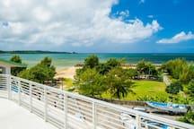 UnitedResort Ocean Front Onna Apartment w/Sea View