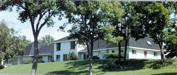 Stoney Lake Manor