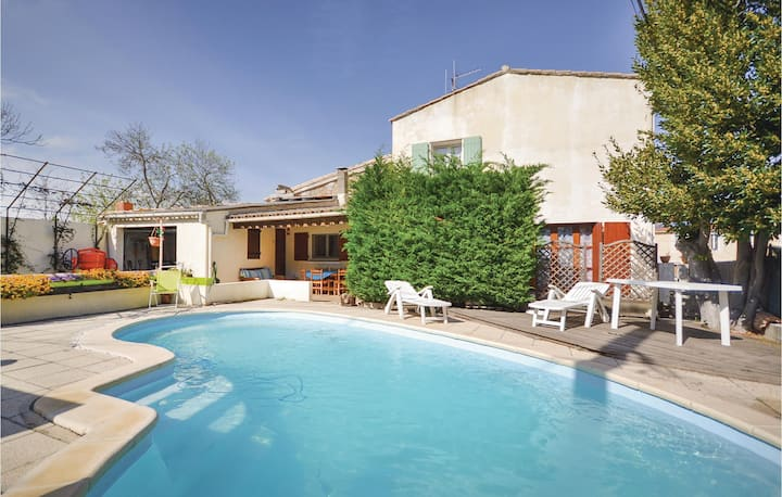 Stunning home in Ornaisons with WiFi, 3 Bedrooms and Outdoor swimming pool