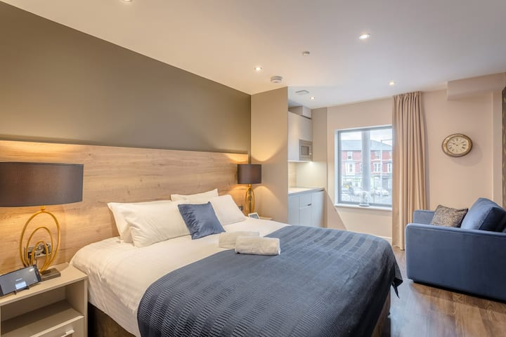 Stunning high spec city centre apartment sleeps 3