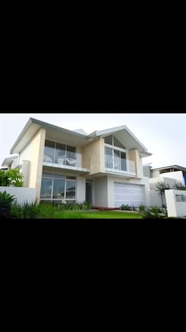 High specification 4 bedroom home - Iluka - House