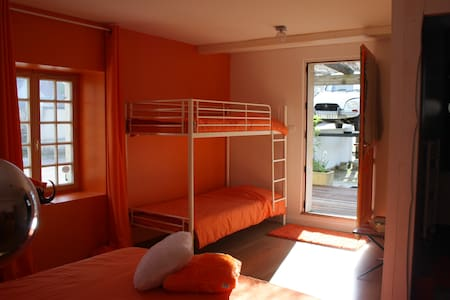 "La Charmerie ""Pop & Clémentine"" - Spoy - Bed & Breakfast"