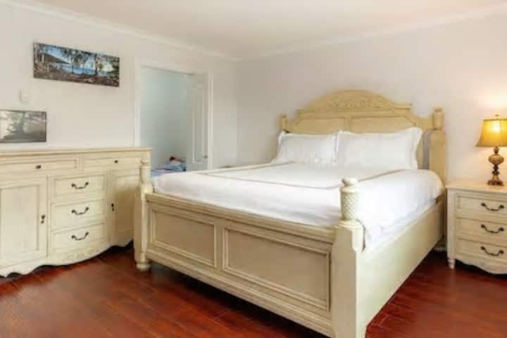 Jane' Gorgeous Master Bedroom