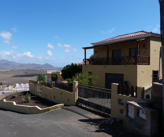 Finca La Cheta - Tuineje - บ้าน