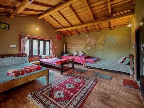Zenoaks Homestay Kasar Devi,  Sirkot
