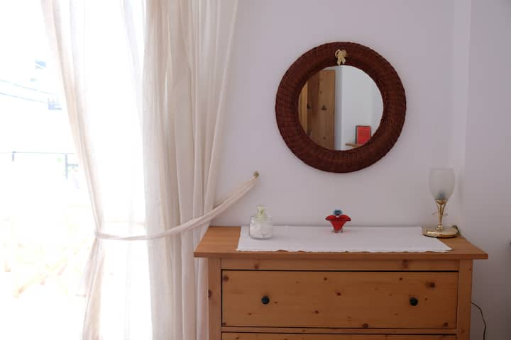 ELISSO, a bright apt in the heart of Kissamos