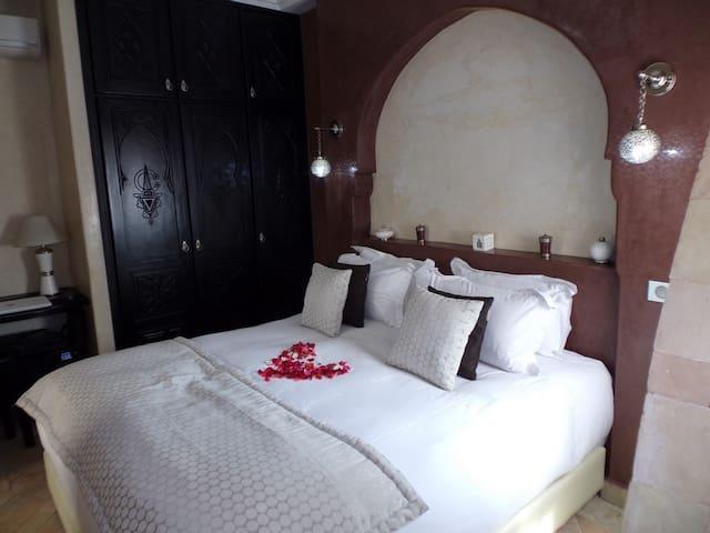 Chambre d'hôte Amazigh dans un Riad proche Souk