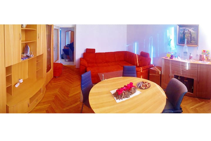 Sunny & Spacious Room with Balcony