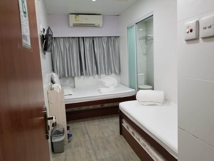 3PLS family room-Tsim Sha Tsui,1double+1single bed