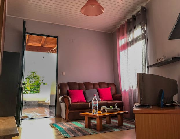 Apartment 5min to the beach & bus station