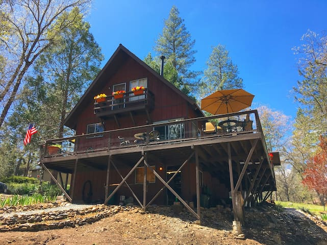 Private Yosemite Getaway at Pine Mountain Lake