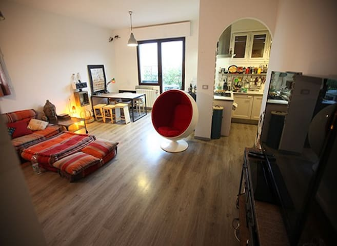 LOFT APARTMENT WITH HUGE TERRACE FIERA DISTRICT - Bologna - Wohnung