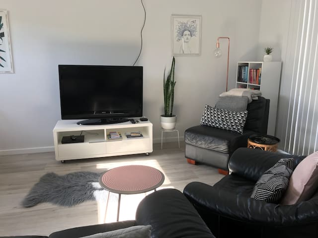 Central Coast  2  Bedroom  Flat