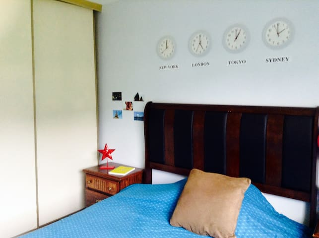 1 Day Stay - Young Woman's Getaway - Vallejo - House