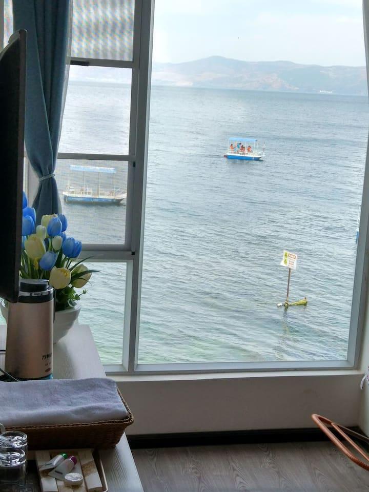 抚仙湖畔立兴鱼庄海景大床房