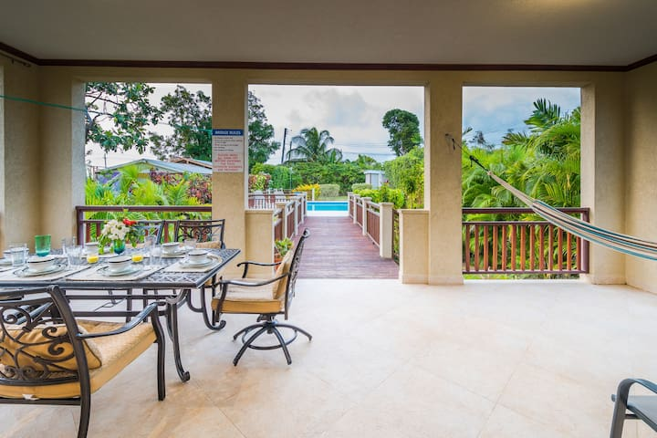 Gorgeous & Spacious Family Villa with Private Pool