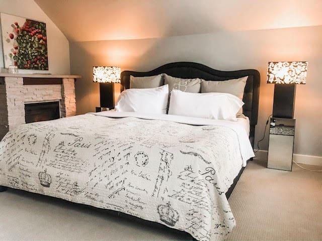Bayfield Boutique Bed and Breakfast - Secret Garden Suite