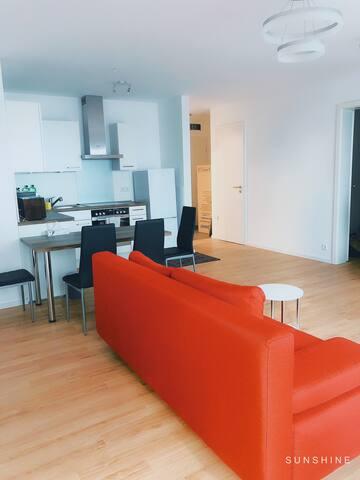 Neu 2 Zimmer Wohnung nahe Hbf ruhig zentral Mitte