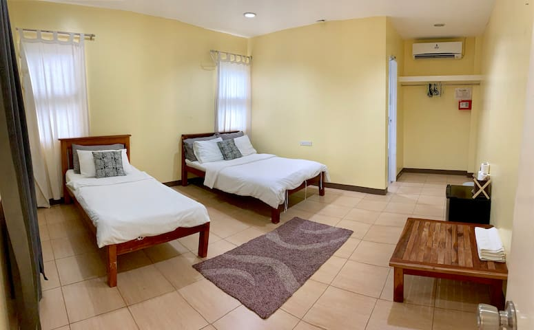13B (1 Double + 1 Single Bed)