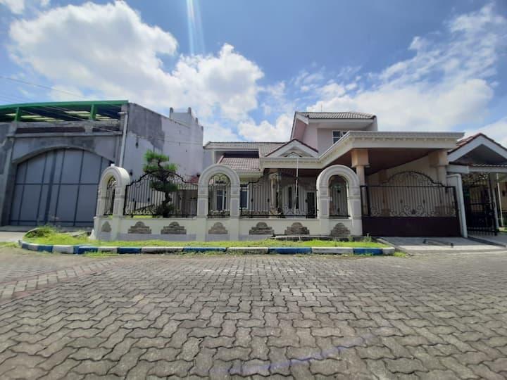 Araya Malang, Whole house for rent