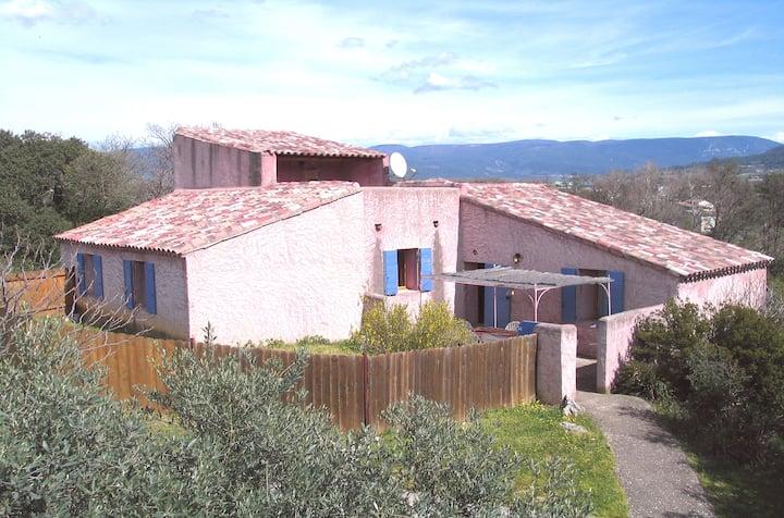 Maison Amandier avec piscine et tennis en Provence