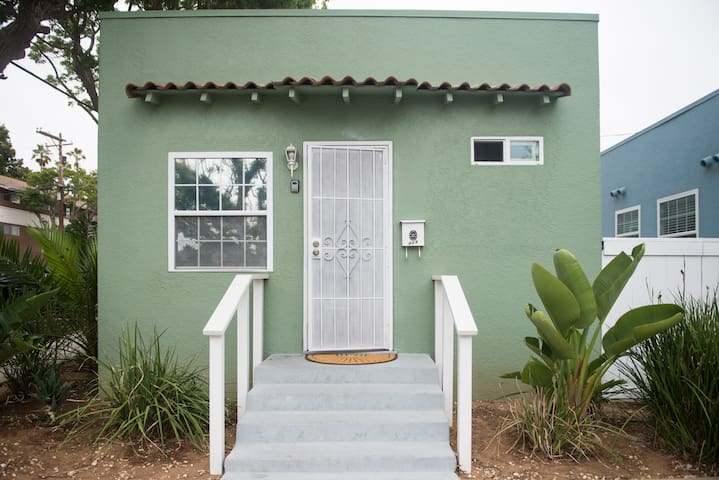 Fully Remodeled Beach Cottage! - Oceanside - Dom