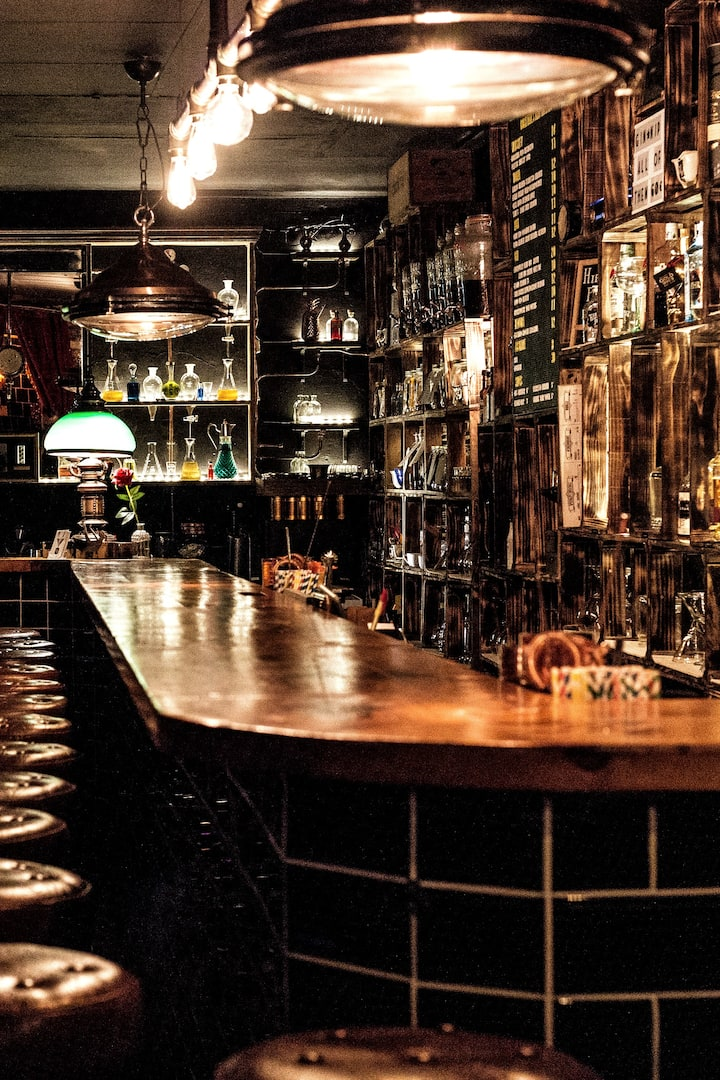 Your speakeasy for the masterclass