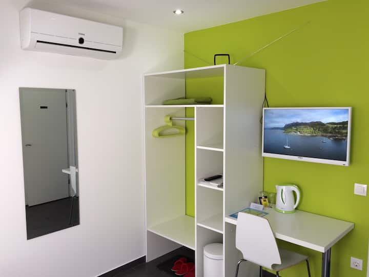 Modern Double Room (2+2)
