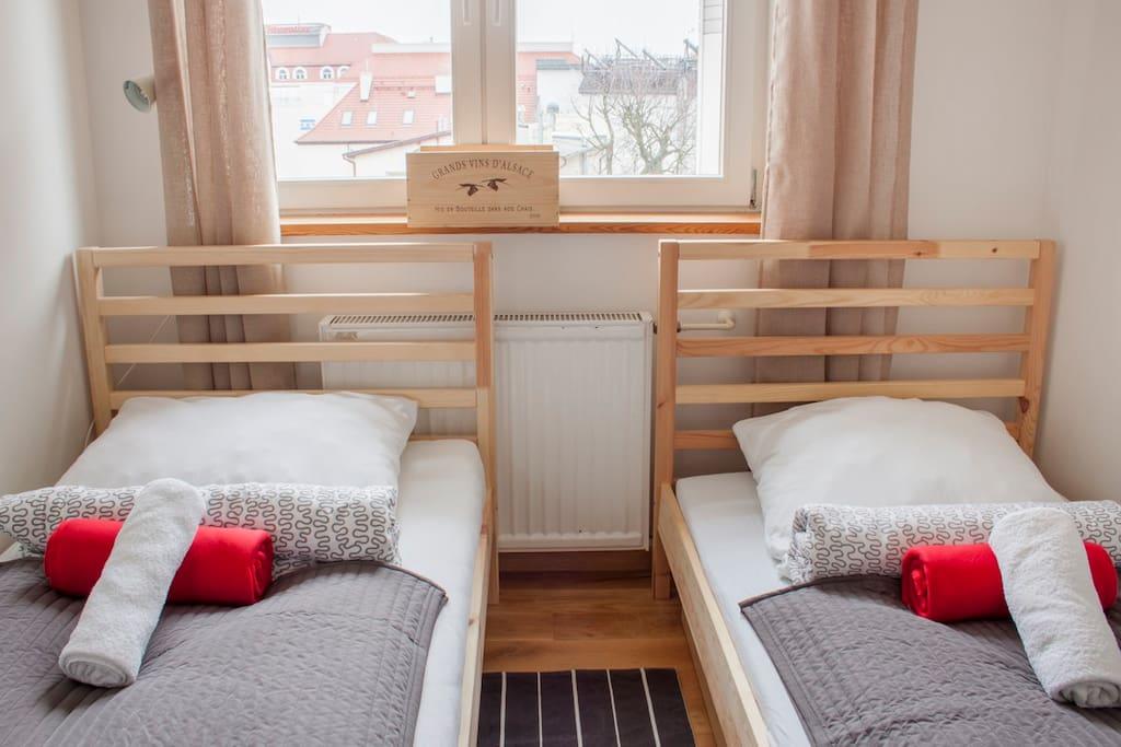 W Apartamencie znajdują się dwa pojedyncze łóżka