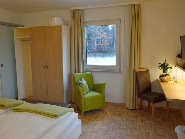 Pension Waldliesel, (Dornstetten), Doppelzimmer Premium mit Dusche und WC, ca. 22 qm