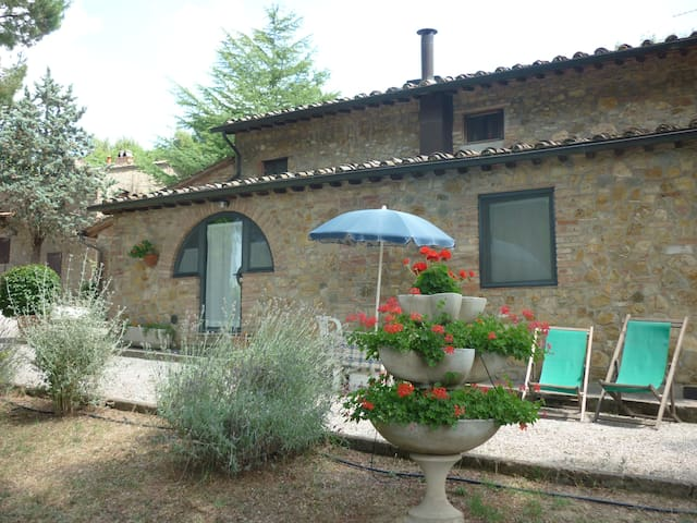 Agriturismo Villa Tamerici near San Gimignano,Pool - Gambassi Terme - House