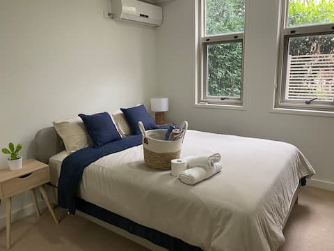 Wentworth Point private room, bath & free parking
