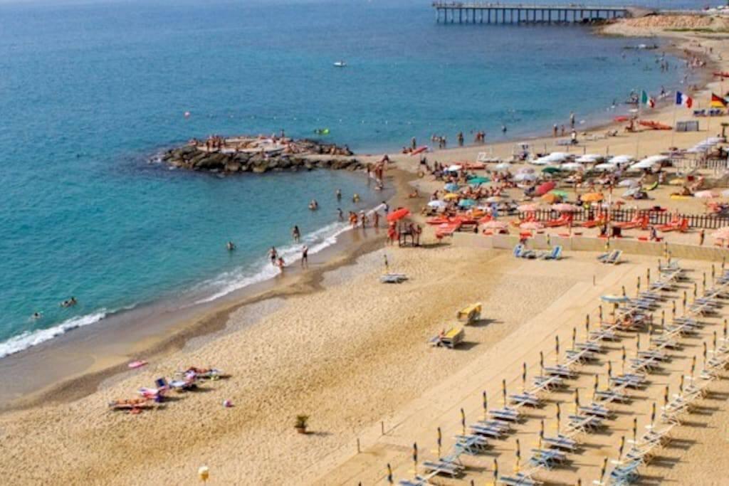Pietra Ligure beach