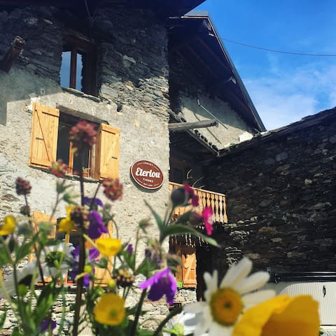 Chalet Eterlou Summer B&B - Tignes - Bed & Breakfast