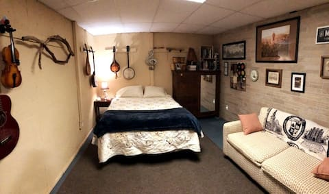 Private Apt, Great for families, sleeps 6+