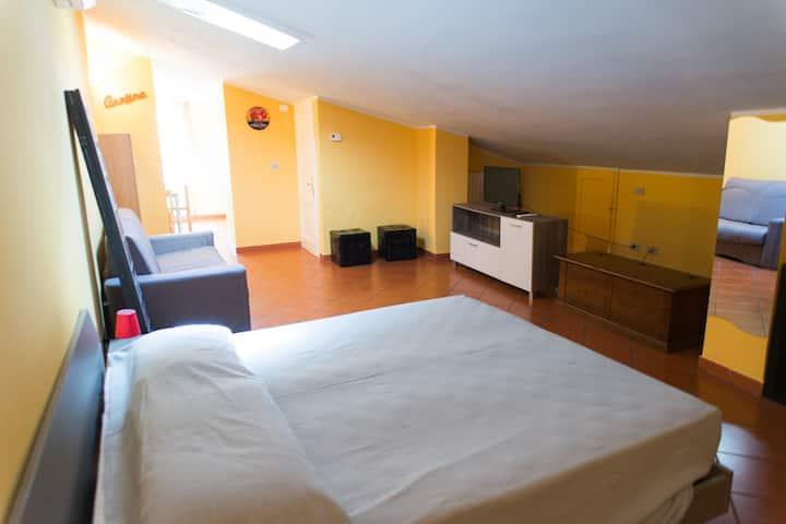 small studio apartment in the hearth of Lucca