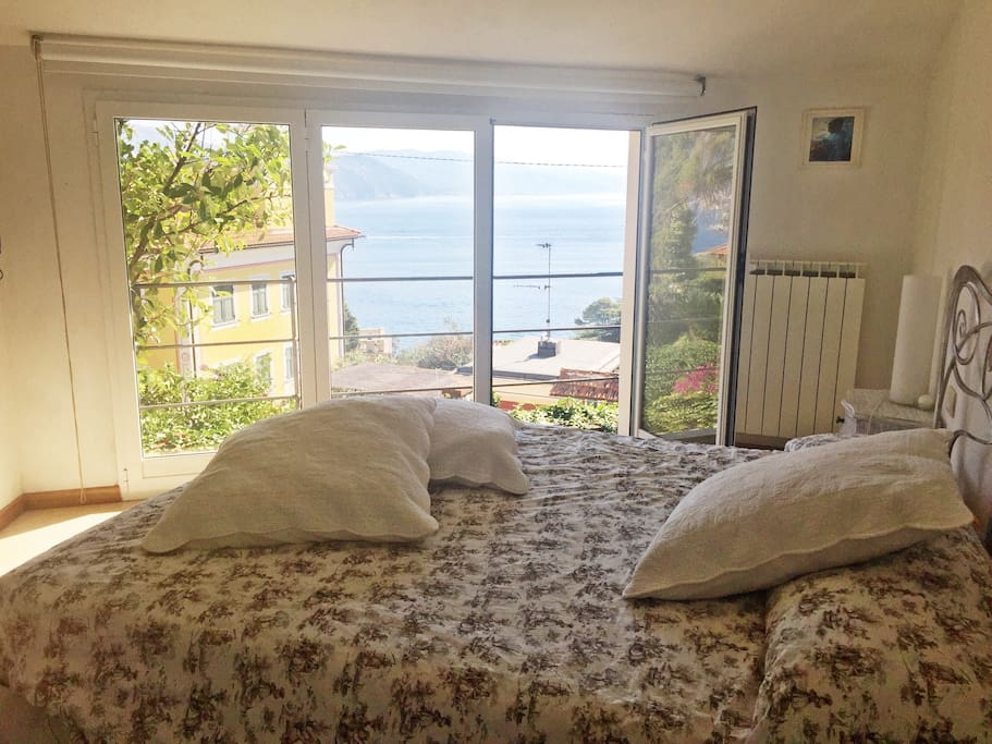 Breathtaking Sea View from your bed