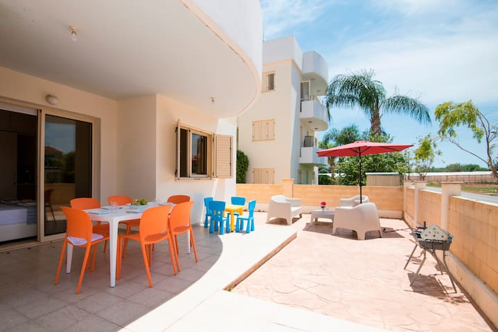2 Bedroom  Ground Floor Apartment in Sirena Bay