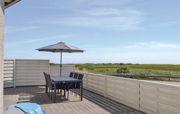 Holiday apartment with 2 bedrooms on 60m² in Hvide Sande