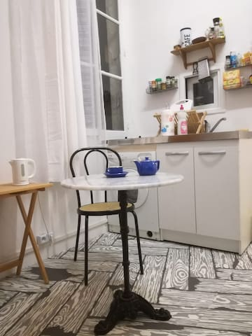 Studio in the heart of Paris, cosy and clear